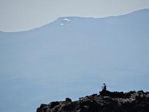 Photo: Васисуалий на фоне хребтов. Вот умеет же человек занять выгодную в фотографическом отношении позицию
