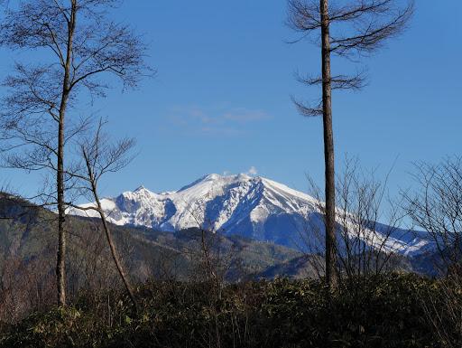 峠から御嶽山