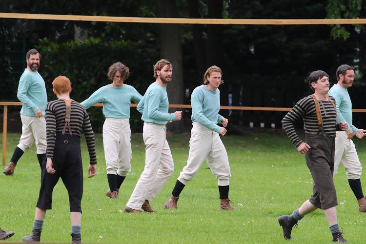 The English Game :  le football, miroir de la société depuis ses débuts