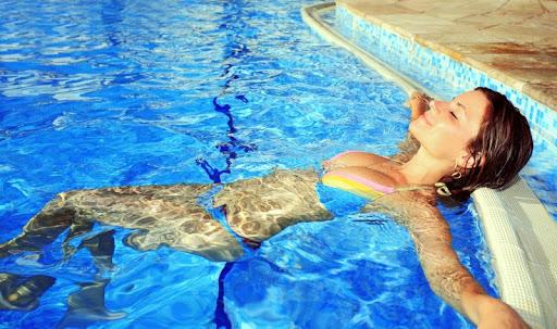 Hot Pool Girls Wallpapers