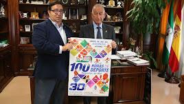 Rubí, concejal de deportes y el alcalde, Gabriel Amat en la presentación de las 100 horas del deporte de Roquetas.