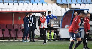 José Gomes atento a cada detalle del Almería.