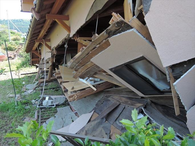 【熊本地震】夫婦同じベッド分かれた生死、夫に「助かってごめん」…暗闇の中「頑張らにゃならんばい」励まし続け 2回目震度7