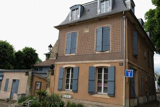 Photo: Batiment de l'ancienne pharmacie du Barry de 1783 à Louveciennes