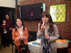 Photo: 乾杯は友人代表の近藤美佳さん。 なんと2012年ミセス日本グランプリのファイナリストのお方です。 カラーコーディネーター&ファスティングアドバイザーのお仕事をしています。