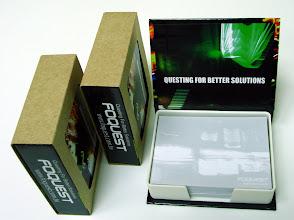 Photo: 澤浦科技(股)公司 精裝盒式便條紙內頁 9.8x7.2 cm外盒 11.0x8.5 cm