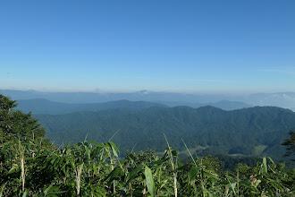 左から大笠山・三ヶ辻山・尾崎山・金剛堂山など