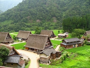 Photo: Villages de Shirakawa-go et Gokayama (classés au patrimoine de l'Unesco) au Japon