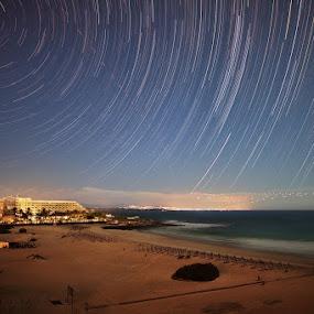 Star trails by Wojciech Toman - Landscapes Starscapes