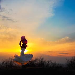 Dancing bride by Mihaila Cristian - Wedding Bride ( dancing, sunset, bride )
