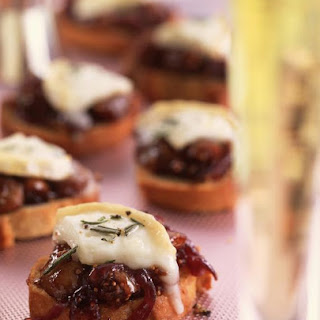 Sweet Onion and Fig Bruschetta