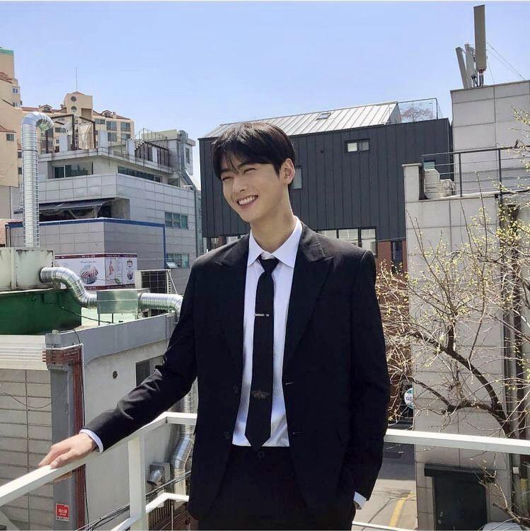 eunwoo boyfriend 16