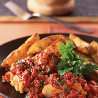 Spiced Tomato Chicken with Potato Wedges