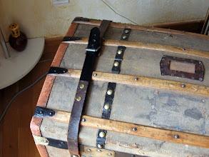 Photo: réparation des sangles avec la ceinture que j'ai trouvée.