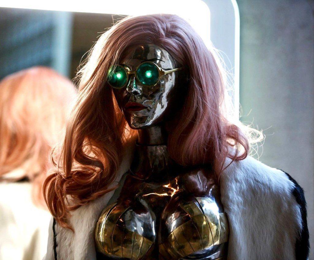 Правильный косплей на Lizzy Wizzy из Cyberpunk 2077