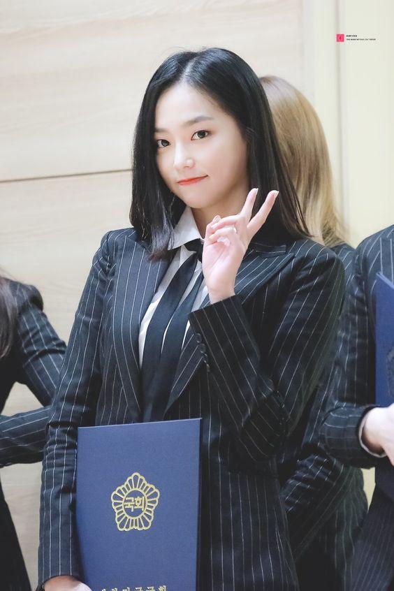 yeeun suit 11