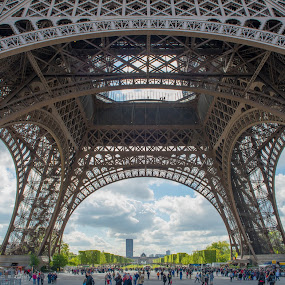 The Eiffel Tower in Paris by Marcin Frąckiewicz - Buildings & Architecture Architectural Detail ( paris, eiffel tower )