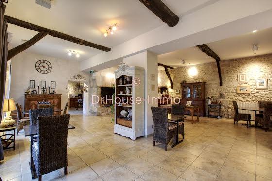 Vente maison 23 pièces 650 m2