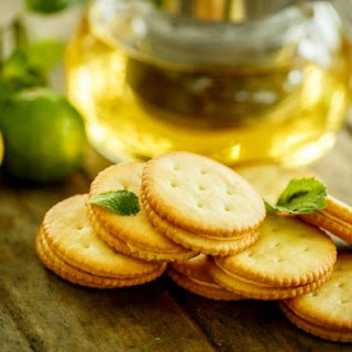 Lemon Curd Ritz Crackers