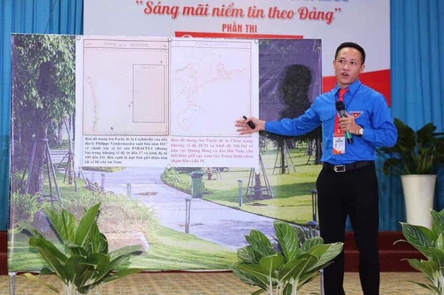 Thí sinh Nguyễn Anh Tuấn thể hiện phần thi thuyết trình tại vòng chung kết với chuyên đề