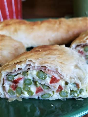Asparagus, Prosciutto and Goat Cheese Strudel