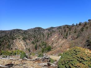 対岸に目的の堂倉山