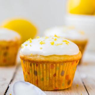 Lemon Cupcakes with Lemon Cream Cheese Frosting
