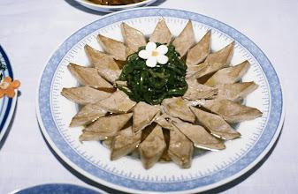 Photo: 11053 鎮江/浮王斎/料理/白汁油鶏(パイヂーヨウチー)/鶏肉の煮込み/鶏肉は豆腐皮(トウフーピー)を重ねたもの