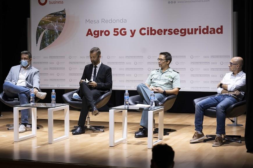 En la mesa redonda se ha tratado temas relacionados con el 5G, el agro y la ciberseguridad