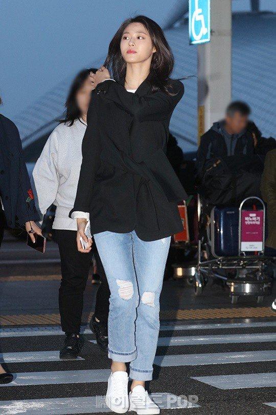 seolhyun jeans 40