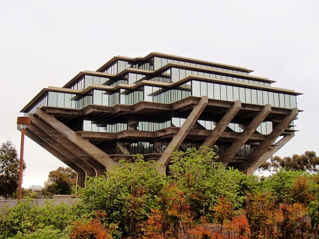 Photo: The library at UCSD Torrey Pines