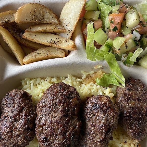 Kofte dinner plate