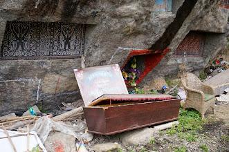 Photo: Lembang – Tonga Riu Tana Toraja (Sulawesi) Este lugar de enterramientos se llama Lo´Ko Mata.   Domingo 22 de marzo de 2015
