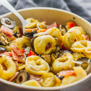 Tortellini pasta salad with Italian dressing.