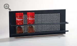 Kryddhylla vägg svart
