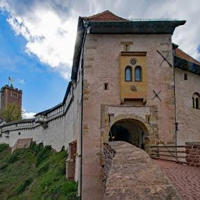 【世界のお城】ドイツ中部の町アイゼナハにある世界遺産・ヴァルトブルク城 / ルターが隠れ住んで聖書を翻訳した小部屋に迫る