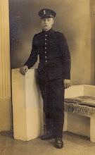 Photo: Berend Okken, bij de marine. Hij is later omgekomen in de oorlog