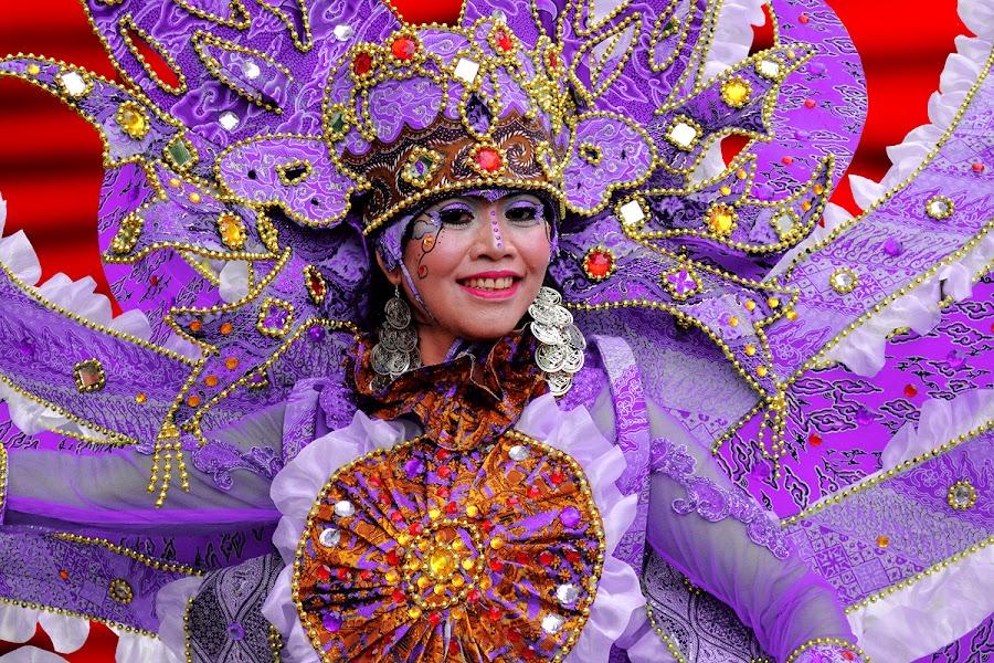 dazzle by Lilik Pambangun - News & Events World Events