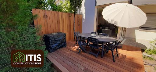 Surélévation ossature bois et terrasse en Ipé 3 .