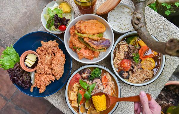 豆子洋食商行:台中龍井區美食-隱藏在巷弄裡的高CP值日式洋食,餐點平價在地人吃飯聊天的好地方
