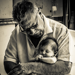 Cuddles by Anthony Martinez - People Family (  )