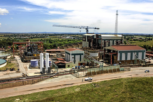 Going it alone: Processing facilities at the Ergo Mining metallurgical gold processing plant, operated by DRDGold in Brakpan. The company will not participate with other firms in a R5bn joint payment to workers affected by lung disease. Picture: BLOOMBERG