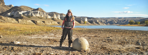 Photo: Stop along the way to check out a concretion.