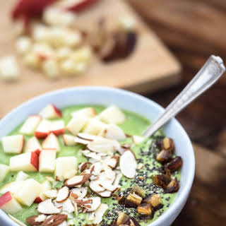 Easy Green Smoothie Bowl.