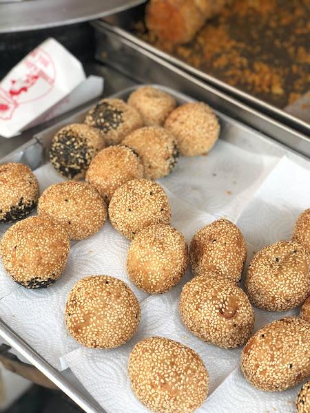 銅板點心 「府東街147號無名蔥油餅」午後飄香酥脆味!銅板味大滿足|府東街|府連路郵局|