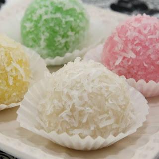 Snowball Cakes (Banh Bao Chi).