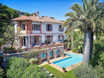 Villa 15 pièces 492 m2