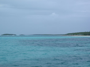Photo: Looking northward towards the Hoffman / Devils Cay area in the Berry Islands
