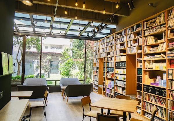 文青必訪!全台最美閱讀咖啡店~一份低消任享閱讀時光-Booking
