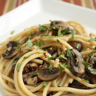 Spaghetti with Mushrooms, Garlic and Oil.